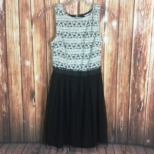 Speechless XS Lace Top Black and White Dress